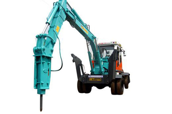 Application and maintenance of hydraulic hammer running in pe